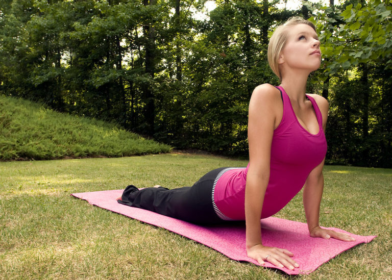 Йога для увеличения бюста