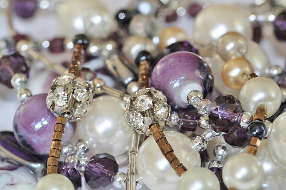 jewellery-509342_960_720