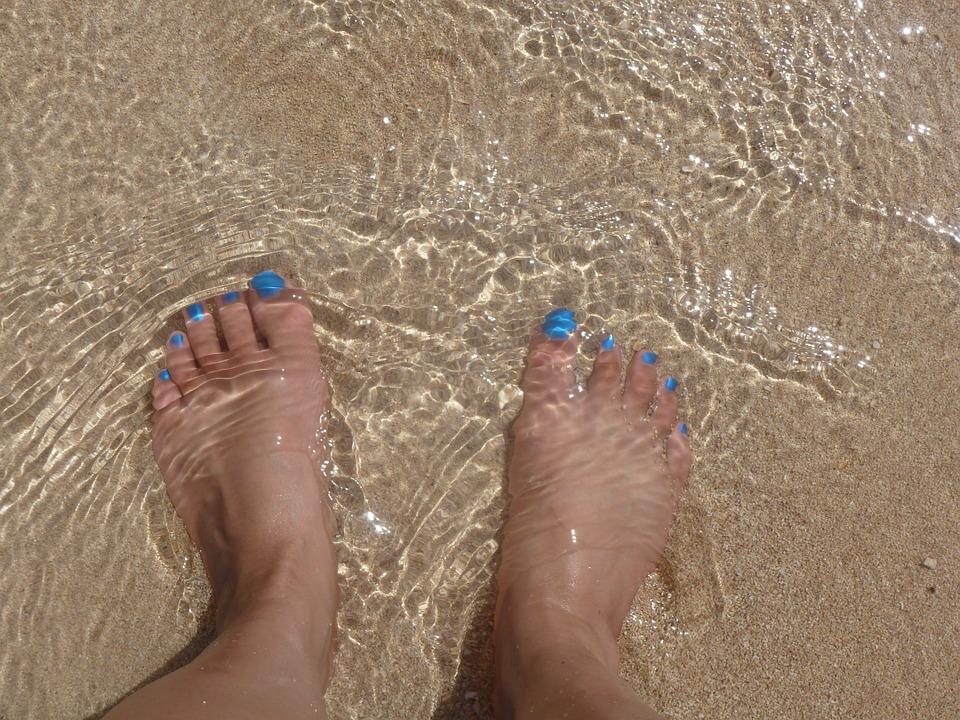 feet-586957_960_720
